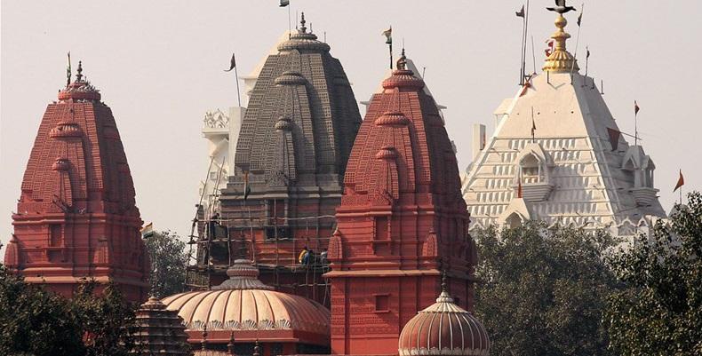 Màu đỏ sa thạch chính là điếm nhấn cho ngôi đền này