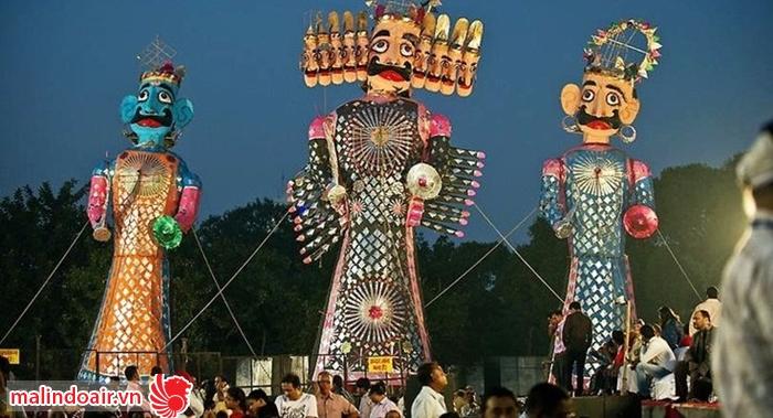 Lễ hội mô phỏng lại chiến công của thần Raman