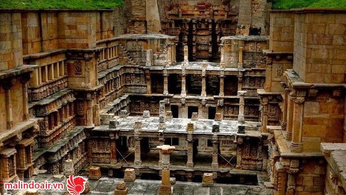Ngôi đền còn khá nguyên vẹn sau một thời gian dài bị vùi lấp