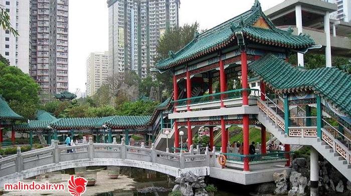 Vườn cầu nguyện là nơi hấp dẫn du khách nhất ở đền