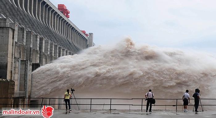 Đập thủy điện Tam hiệp xây dựng trên con sông