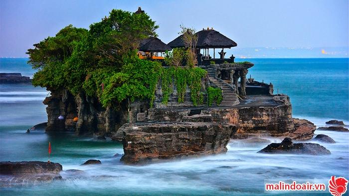 Đền ở đảo Ba Li