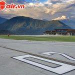Sân bay có 2 nơi đỗ xe, nhà chờ đón 100 khách cùng lúc