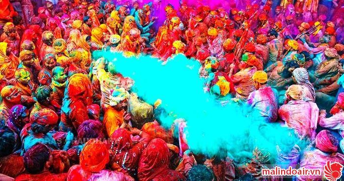 Lễ hội ném bột màu Holi