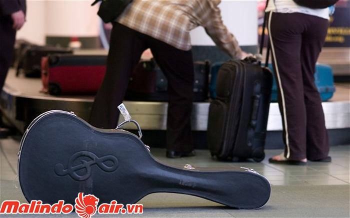 Được phép mang nhạc cụ khi đi máy bay