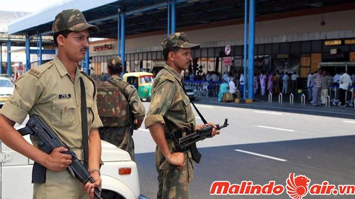 Lực lượng an ninh Ấn Độ không được phép cười quá tươi với du khách