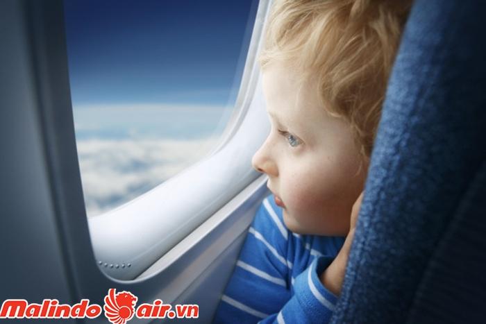 Kéo rèm cửa khi cất hạ cánh là điều bắt buộc