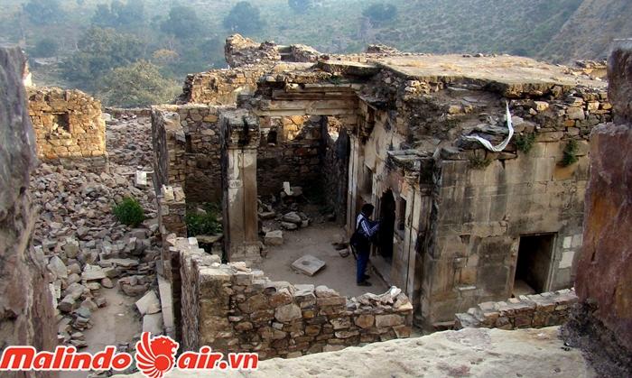 Ngôi làng ma ám ở Ấn Độ