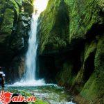 Hệ thống thác nước trong rừng mưa nhiệt đới của Sumatra