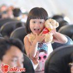Cần chuẩn bị một số vật dụng cần thiết cho trẻ nhỏ khi đi máy bay