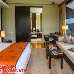 phòng ngủ rất đẹp ở Capella Singapore Hotel