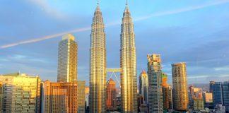 Petronas Twin Towers - biểu tượng của đất nước Malaysia