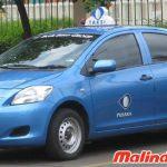 Taxi Blue Bird màu xanh đặc trưng ở Jakarta