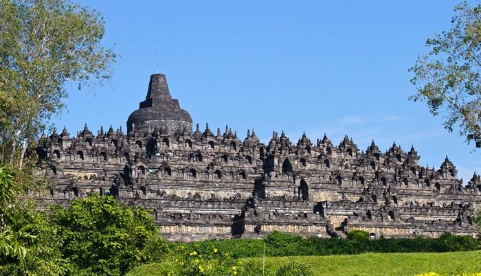 Đến Yogyakarta thăm đền thờ Phật giáo Borobodur