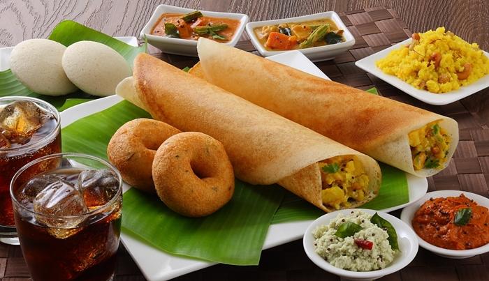 Nhâm nhi bánh gạo Idil ở miền Nam Ấn Độ
