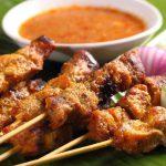 Thưởng thức món thịt Satay của người Malaysia